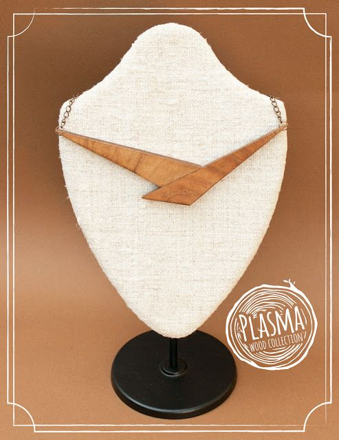 Handmade wood jewelry: Necklaces