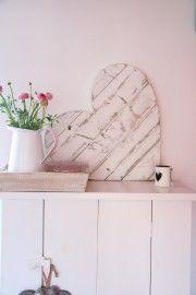 Heart scaffolding wood large white