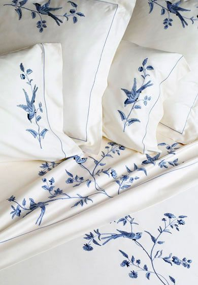 Custom Sheets and Pillowcases | Luxury Bed Linens by Léron