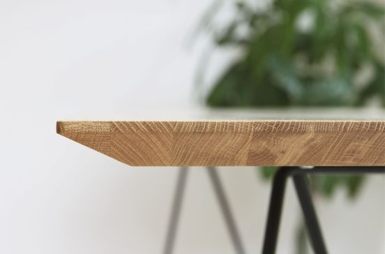 The edge of the FLY table top. - www.miloni.pl/en MILONI: wooden table, oak table, natural wood table, table design, furniture design, modern table