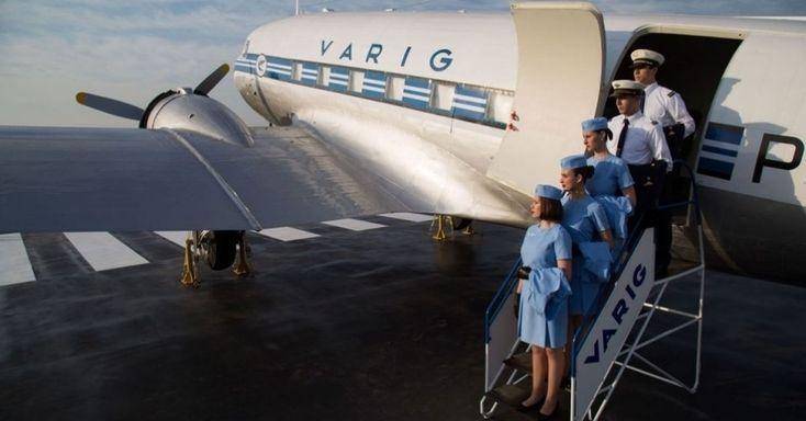 Os Douglas DC-3 foram incorporados � frota da Varig ap�s o fim da Segunda Guerra e permitiram que a empresa ampliasse suas rotas para todo o Brasil. Um DC-3 restaurado est� em exposi��o no Boulevard La�ador, pr�ximo ao aeroporto de Porto Alegre