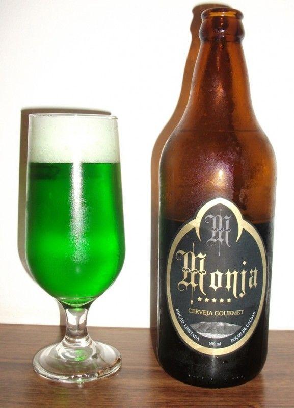 Cerveja Monja La Elfe Verte, estilo Standard American Lager, produzida por  Cervejaria Caseira, Brasil. 4.9% ABV de álcool.