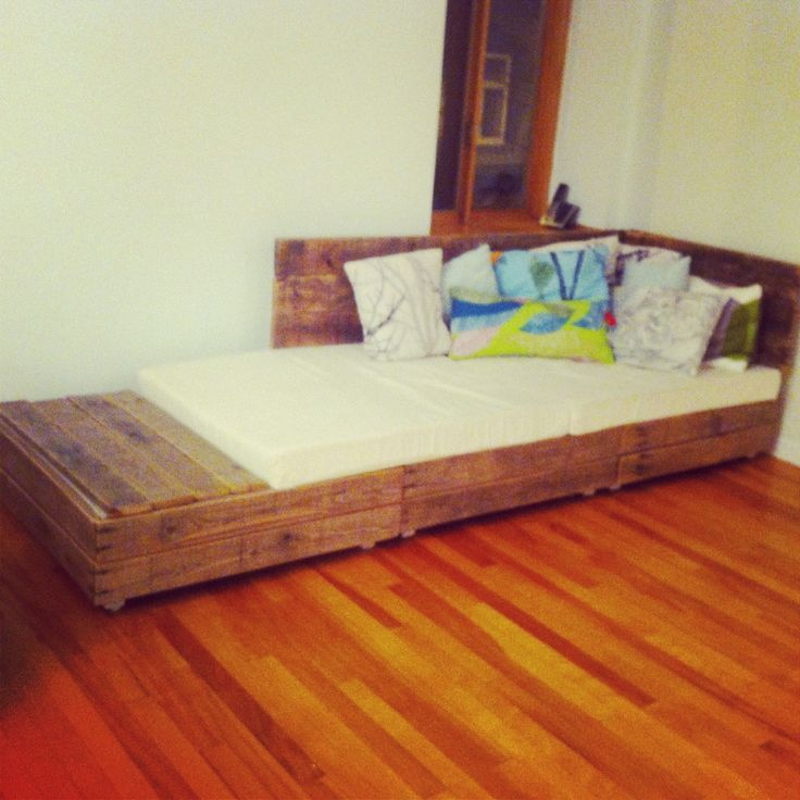 Diy Pallet Couch Sofa Bed Upcycled Salvaged Wood Perfect For Elsa For The Home Pinterest