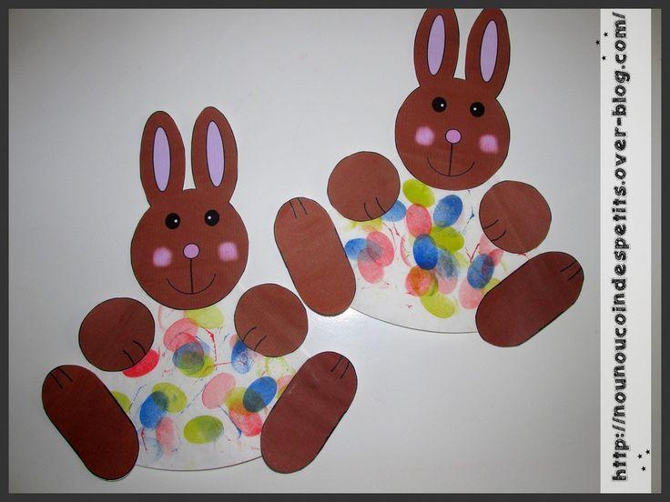 - première réalisation pour pâques , un petit lapin avec un filtre a café , j'ai trouvé cette idée sur pinterest mais pas de lien comme souvent , du coup j'ai réalisé avec mon logiciel la tête du lapin et les pattes .... - avec un tampon réalisé avec...