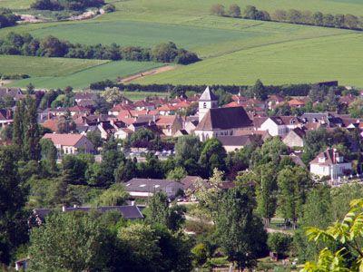 Vincelles, village situé le long du Canal du Nivernais.