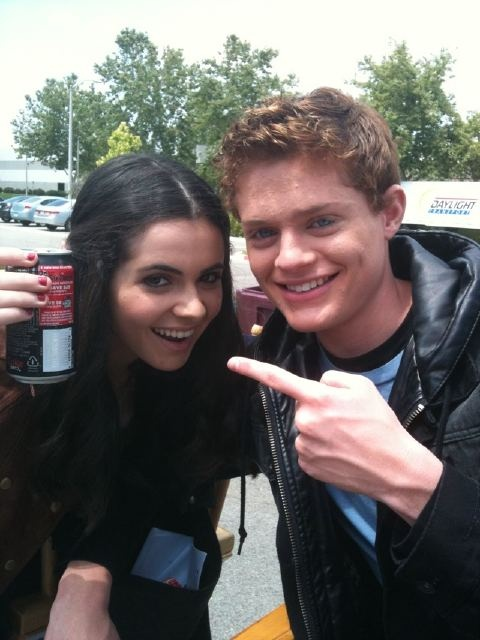 Sean Berdy with Vanessa Marano OMG!!I ABSOLUTELY LOVE SWITCHED AT BIRTH IF YOU HAVEN'T SEEN IT THEN