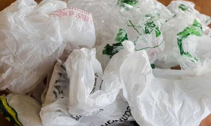 11 Ways to Hide Your Plastic Bags Without Throwing Them Away | Hometalk