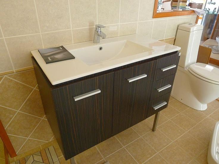 36 best modern bathroom vanities images on pinterest for Bathroom configurations