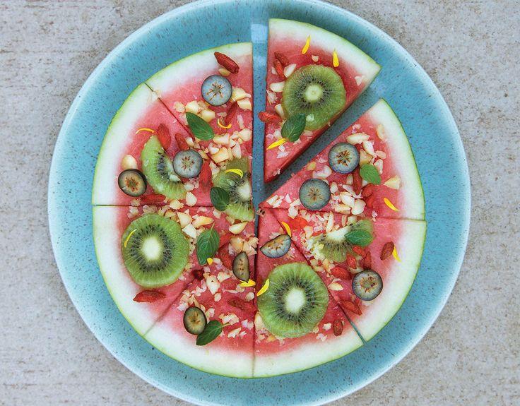 Vannmelon-pizza med frukt og bær