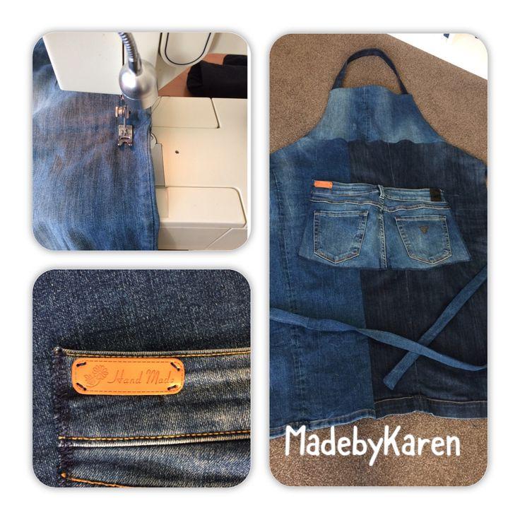 Van oude jeansbroeken een leuke keukenschort genaaid. Denim jeans spijkerstof