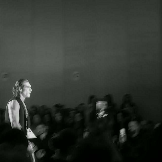axdw, 17thaxdw, fashion show, fashion week, athens, fashion, black and white, models, runway, catwalk