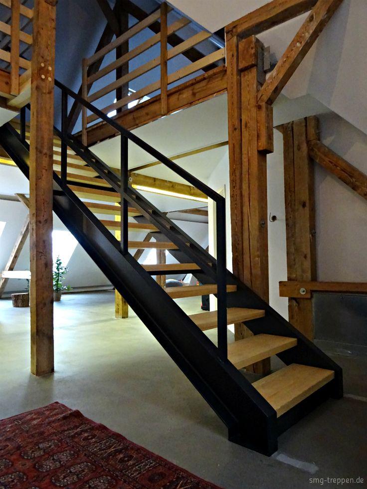 Wangentreppe WAT 4200 - https://smg-treppen.de/wangentreppe-wat-4200/ Die WAT 4200 ist eine U-Wangentreppe aus Stahlwalzprofilen Stufenträgern Flachstahlstreifen. Die Stufen aus Kiefer und mit einer gebürsteten und geölten Oberfläche. Made by #smgtreppen #Treppenbau #Treppen #Stufen #Baustelle #Umbau #Stahltreppen #Holztreppen #Architektur #Design #zuhause #wirdenkenmit #Hausbau #mynewhome #Interieur