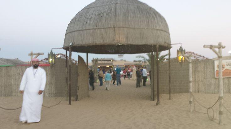 Al Madam Desert En magisk kväll under stjärnorna med kamelridning, Barbecue och magdans.
