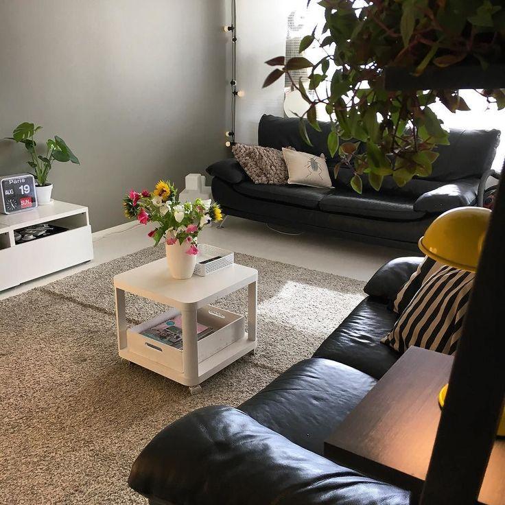 Tänään käynti markkinoilla leikkipuistoa ja kesäkukkien poimintaa. Hiukan väriä keskeneräisyyden keskelle. #uusikoti #newhome #home #myhome #koti #interior #inredning #sisustus #kukkia #flowers #colors #livingroom #olohuone #remontti #renovation