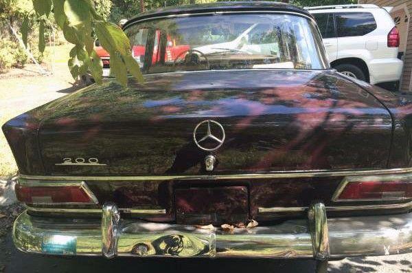 1967 Mercedes 200 Heckflosse