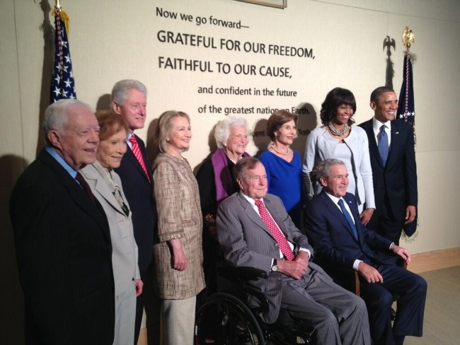 President Obama, First Lady Michelle Obama and the 4 Ex-Presidents and First Ladies.