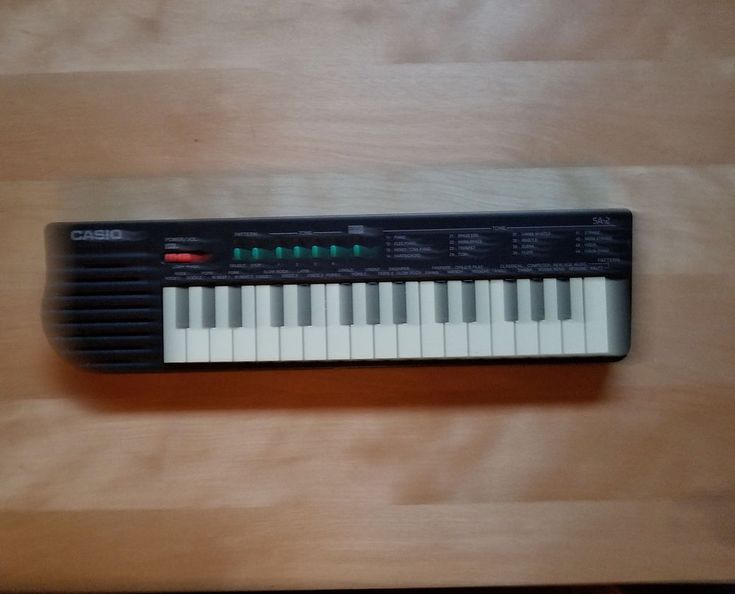 Vintage Casio SA-2 32 KEY MINI Keyboard CIRCUIT BENDING WORKS