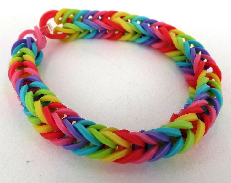 rainbow loom   : une maman a confectionné une robe avec des bracelets Rainbow Loom ...