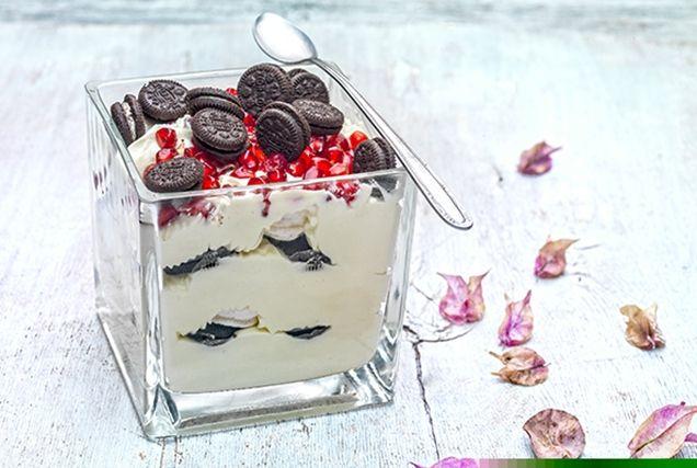 Χριστουγεννιάτικο trifle με μαρέγκες και μπισκότα