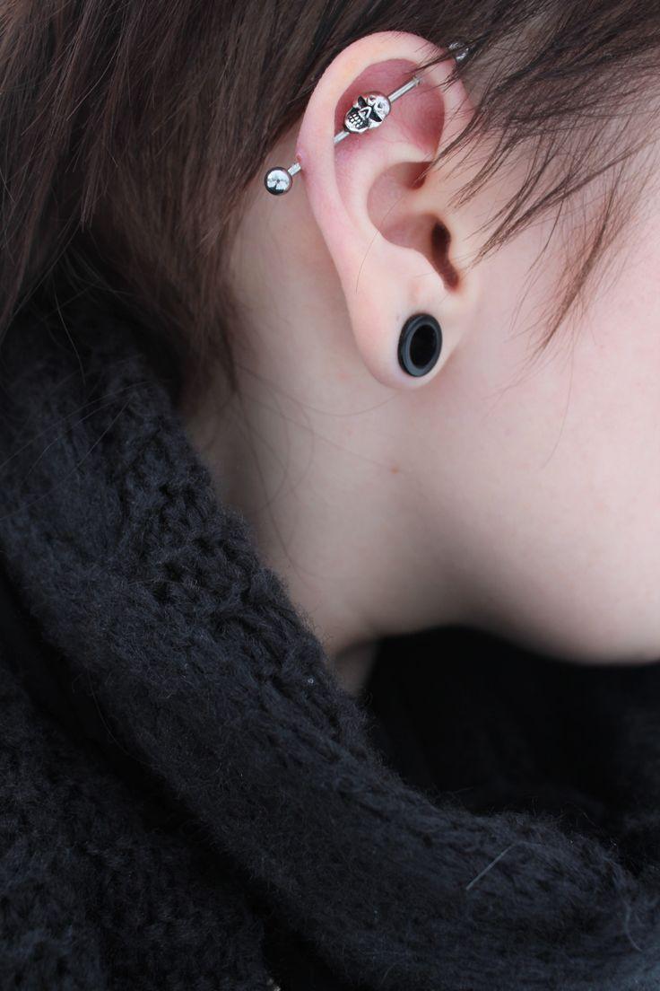 piercing industrial tunnel skull industrial earrings. Black Bedroom Furniture Sets. Home Design Ideas