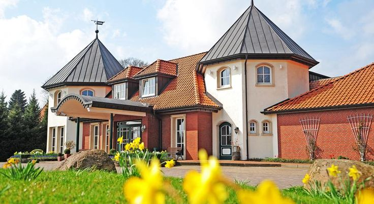 Landgut Stemmen Stemmen This family-run, 4-star hotel in Stemmen is just a 30-minute drive from the Lüneburg Heath. It offers spacious rooms, a wellness area with free fitness room, and a restaurant.