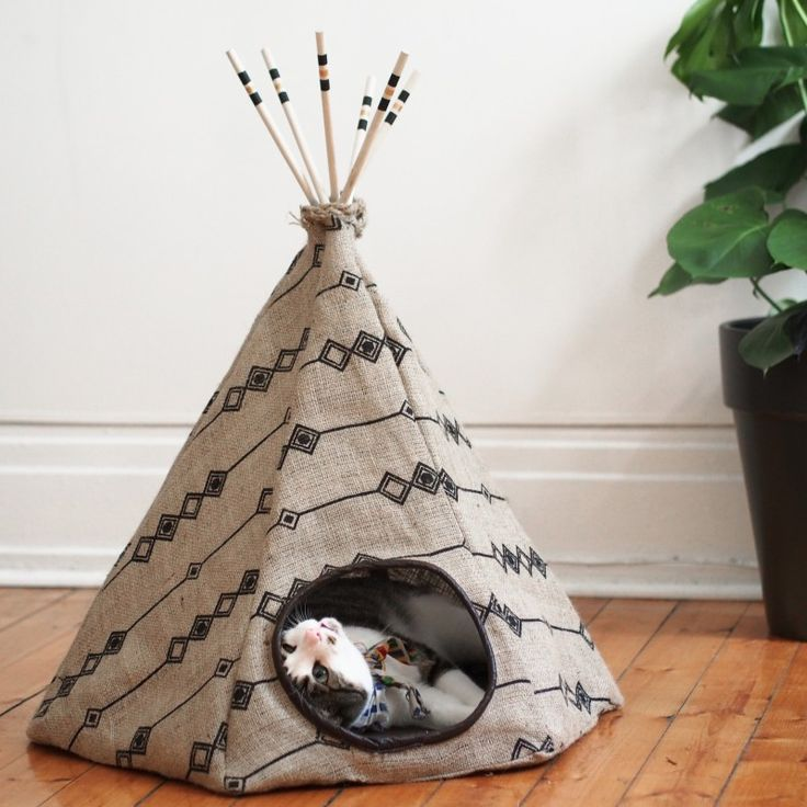 les 25 meilleures id es de la cat gorie tipi pour chat sur. Black Bedroom Furniture Sets. Home Design Ideas