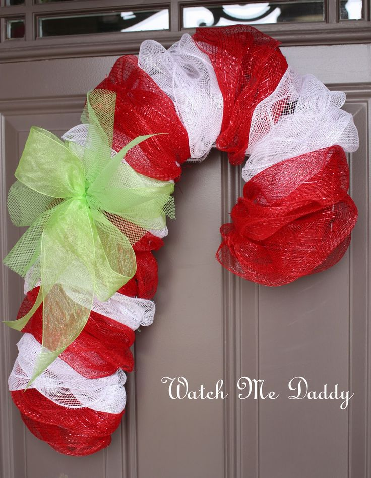Mesh Candy Cane Wreath - Pretty door decoration and fun alternative to traditional Christmas wreath crafts.Candies Canes Wreaths, Christmas Wreaths, Traditional Christmas, Front Doors, Mesh Candies, Candy Canes, Mesh Wreaths, Deco Mesh, Christmas Door