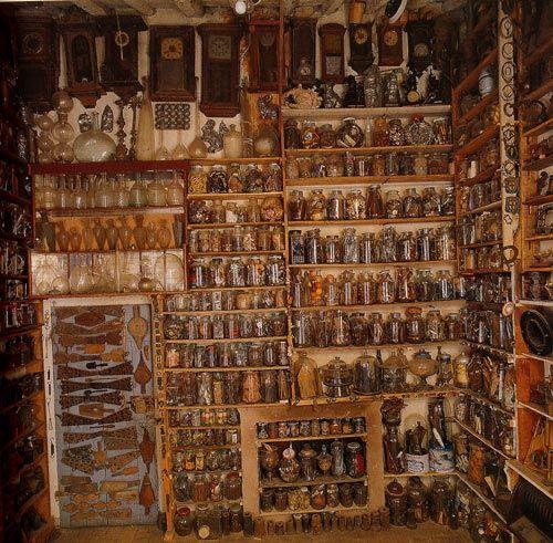 Camera dei Vetri, Museo Ettore Guatelli, Ozzano Taro Collecchio, Parma.