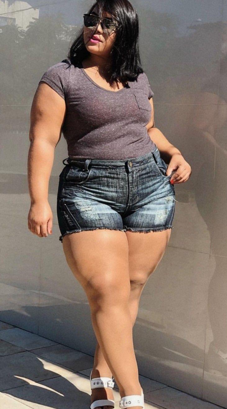 толстые ляхи телок фото увидеть