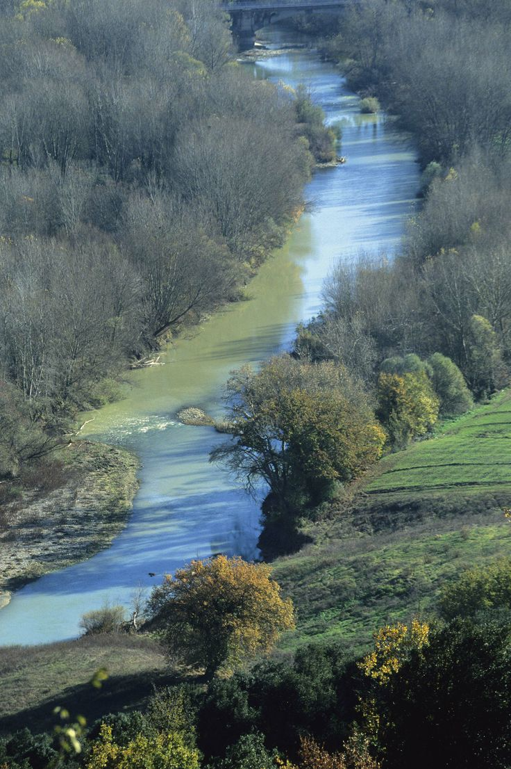 A river in the countryside next to Civitella Marittima. #maremma #tuscany #nature