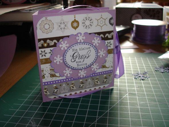 Ich wurde von einigen lieben Elfen angesprochen, ob ich auch eine Anleitung für ein Teebeutelbuch habe. Da der Blog, von dem ich sie hatte...