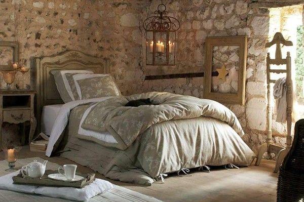 Покраска стен в спальне Прованс