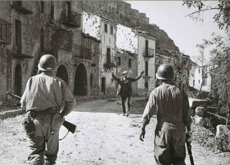 History in Photos: Robert Capa