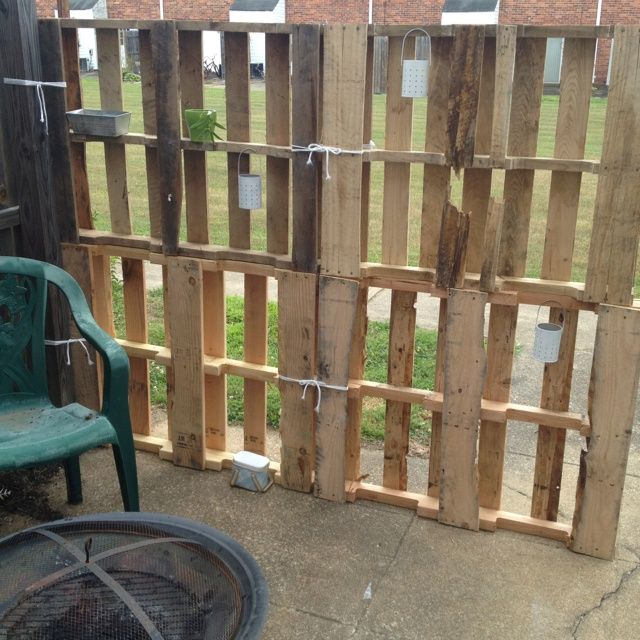 pinterestr wooden pallets backyard privacy fence i made