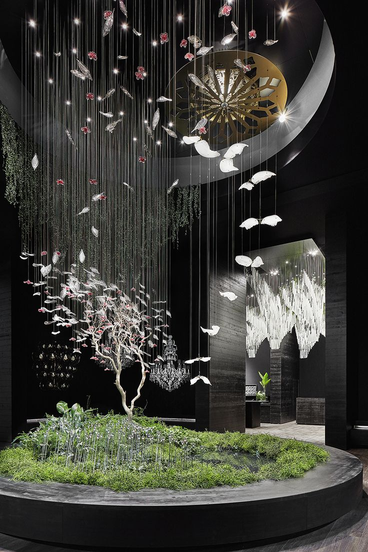 In the wake of this year's biggest design event in Milan, one thing can be said for sure. The world of lighting hasn't heard the last of Preciosa's chandeliers. Far from it.