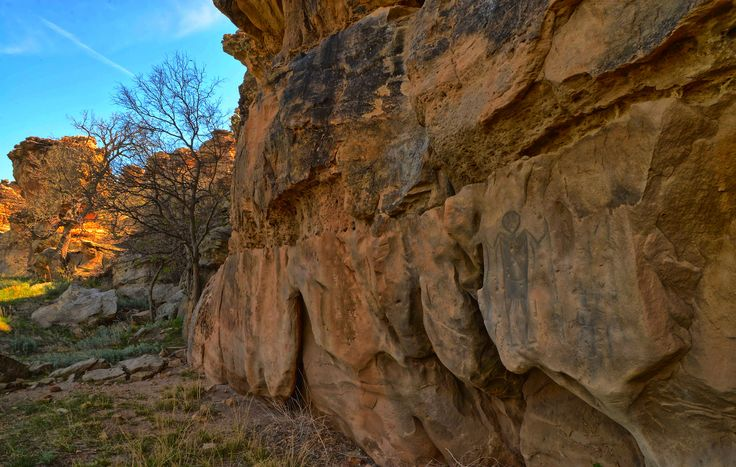 https://flic.kr/p/H9ghV3   Native American (Comanche) Rock Art   Taken in Southeastern Colorado during the Colorado Field Ornithologists (CFO) Annual Convention 5/7/16