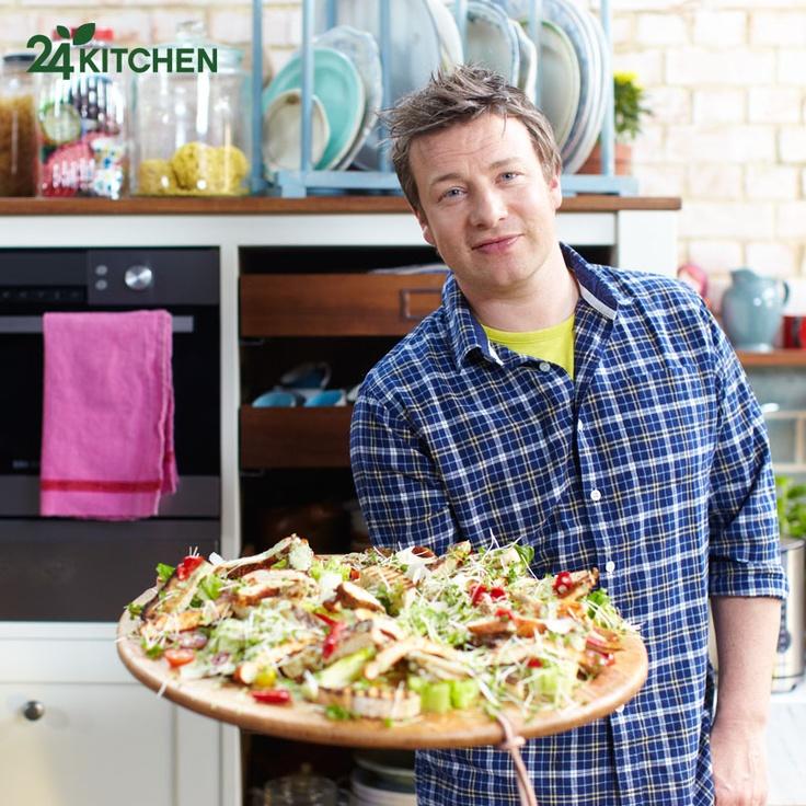 """Jamie Oliver'ın yemek tarifleri ve taktikleri """"Jamie'nin 15 Dakikalık Yemekleri"""" ile hafta içi her gün 18:30'da seninle olacak."""