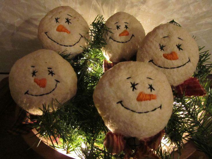 PRIMITIVE CHRISTMAS SNOWMAN ORNIES, BOWL FILLERS, TUCKS SET OF 5 #NaivePrimitive