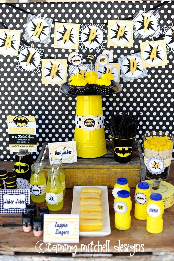 batman kids party ideas, batman party cupcakes, batman superhero kids party DIY pictures and ideas 26