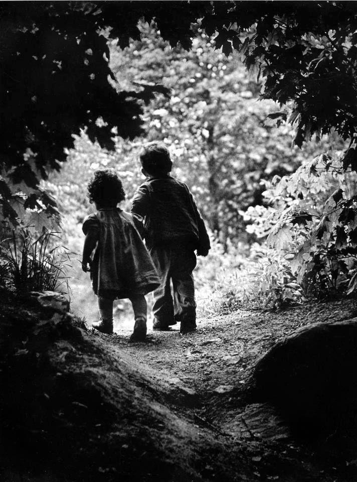 Petits fiancés de Robert Doisneau #photographers