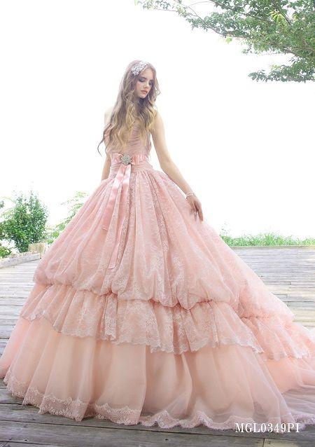 まさにプリンセスのようなカラードレス♡
