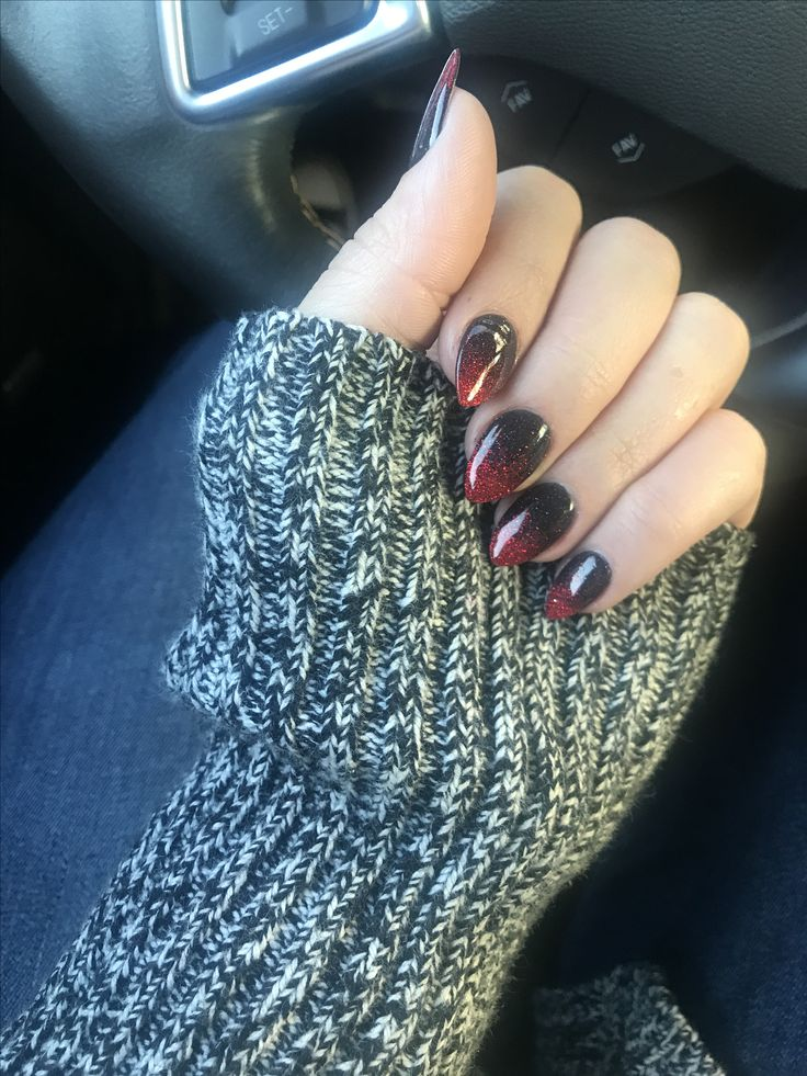 Ombré red and black sparkling nails. Dip powder. Real ...