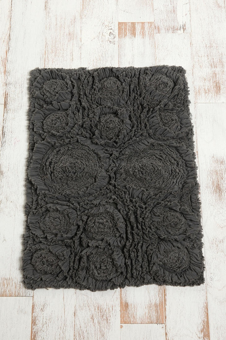 ama bath and urban outfitters mat best bathroom bathmat strategist aelfie mats rugs