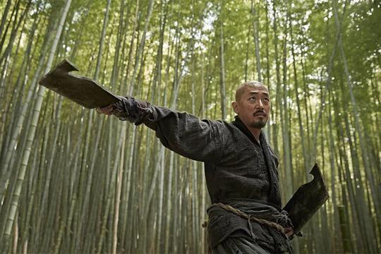 '군도' 우아한 검과 거친 칼이 만날 때