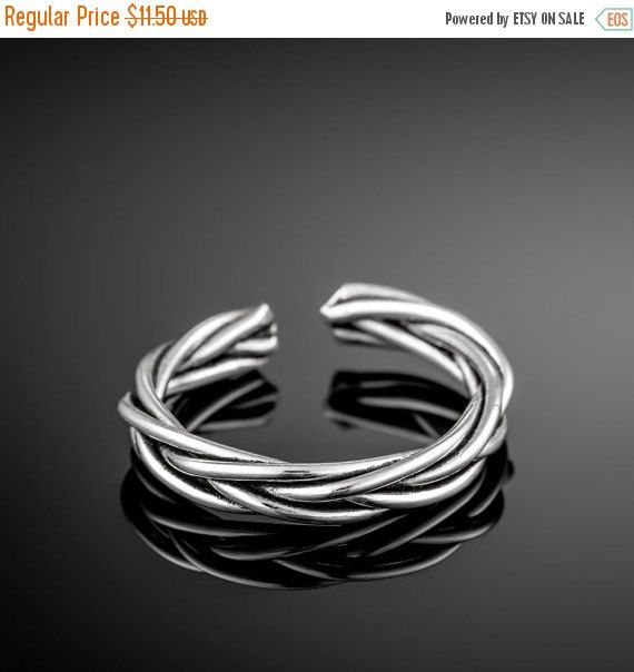 CHRISTMAS SALE Sterling silver toe ring. midi by Umanativedesign