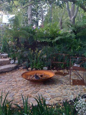SMALL GARDEN FIRE PIT IDEAS | CLARENCENEST: April 2011