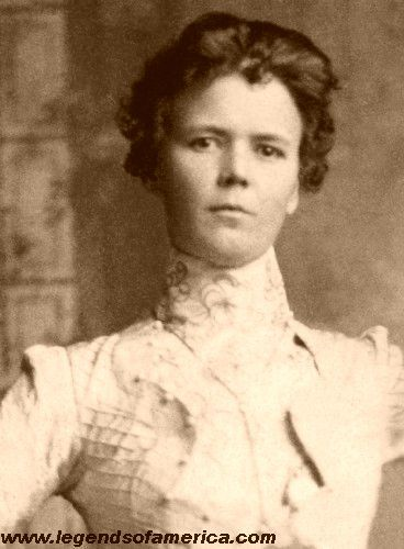 A woman who chose a reckless and lawless life was Annie Rogers. She was also called Della Moore.  She was a prostitute in the wild west and she is famous for running with the Wild Bunch gang as Kid Curry's girlfriend.  Women were notorious outlaws during the western era too.