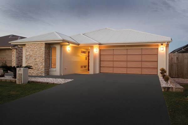 Brisbane Garage Door Centre offer top quality garage doors that withstand harsh Australian Climate. Get your door replaced/serviced by an accredited dealer.