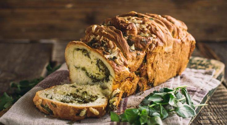 Хлеб с чесноком итравами