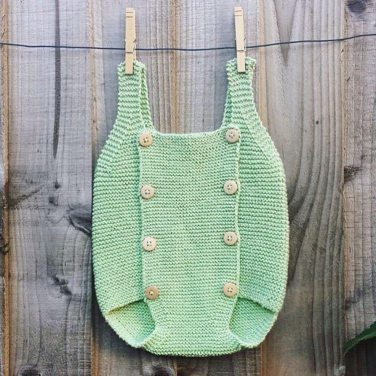 Baby romper green - by #minaminina. Pattern by #creativaatelier